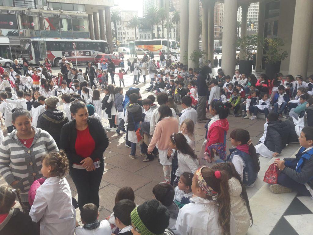 Segunda Jornada del 5 to. Festival de ASSITEJ URUGUAY en el Teatro Solís